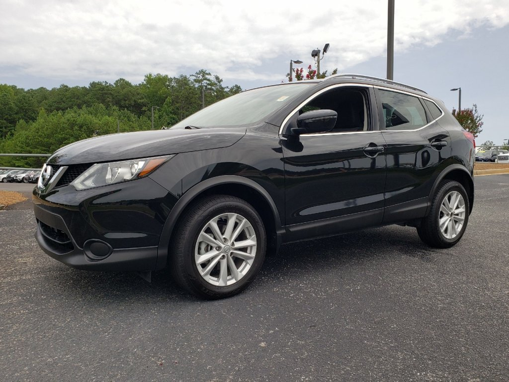 Pre-Owned 2017 Nissan Rogue Sport SV