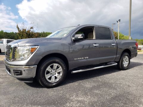 Pre-Owned 2018 Nissan Titan SV With Navigation