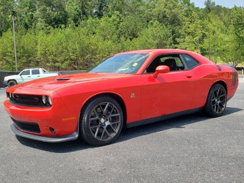 Pre-Owned 2016 Dodge Challenger SCAT PACK