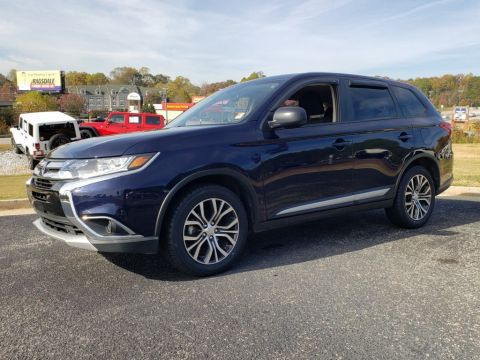 Pre-Owned 2017 Mitsubishi Outlander ES FWD Sport Utility